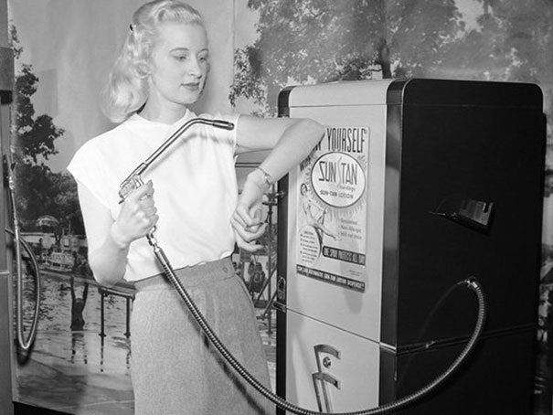Suntan-vending-machine-1949